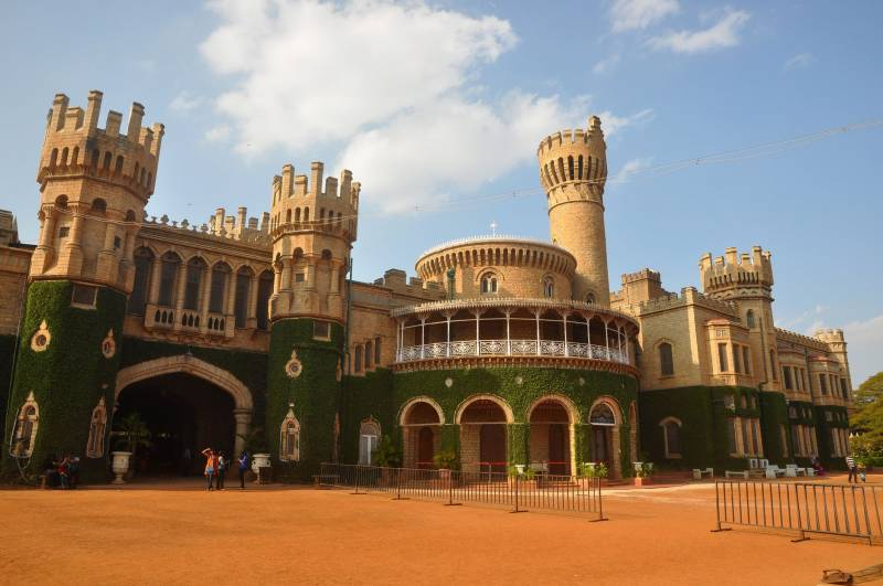 10 Popular Tourist Places To Visit In Bangalore