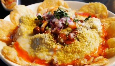 25 Street Food Spots In Delhi For The Yummiest Street Sin