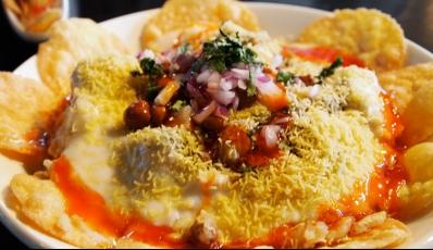 25 Street Food Spots In Delhi For The Yummiest Street Sin