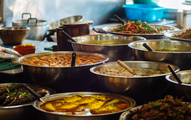 6 Places Where You Can Enjoy Delicious Street Food In Hyderabad, And That Too Under A Small Budget