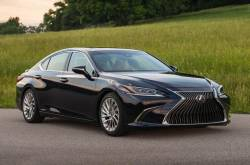 2018 Lexus ES 300h Price Is Rs. 59.13 Lakhs, Launched In India | MotorBeam