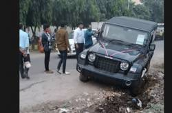 2020 Mahindra Thar Stuck In A Ditch; Nuvosport Comes To Its Rescue
