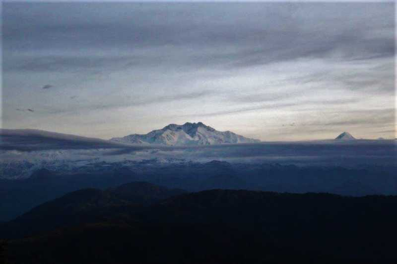 A COMPLETE Sandakphu Travel Guide For All Trekkers And Tourists