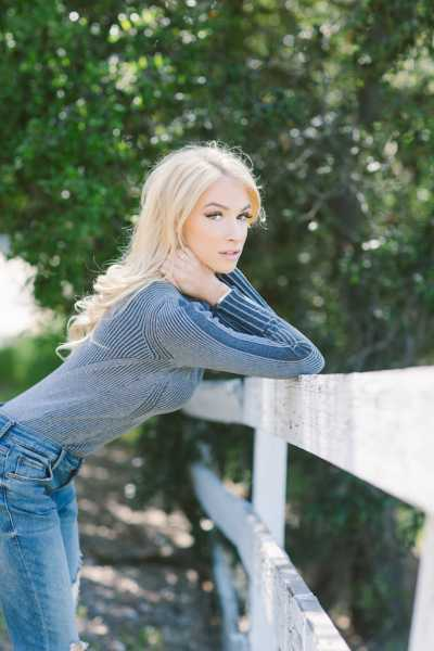 """America's New """"Woman Crush"""" Avery Marie Reveals How To Rock Your Social Media - Women Fitness"""