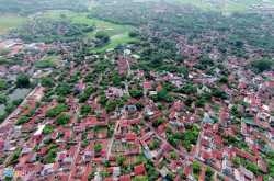 Duong Lam - An Early Medieval Vietnamese Village Also Known As A Living Museum of Converted Laterite