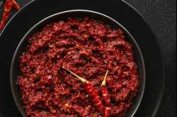 Homemade Red Chili Paste (2 Types)