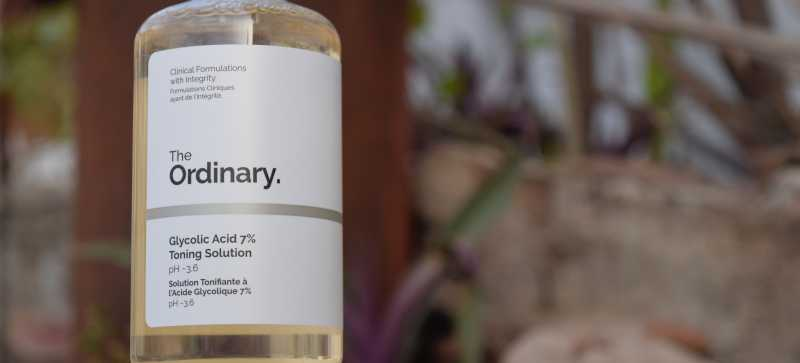 """Is The """"The Ordinary Glycolic Acid 7% Toning Solution"""" Worth The Hype ???"""