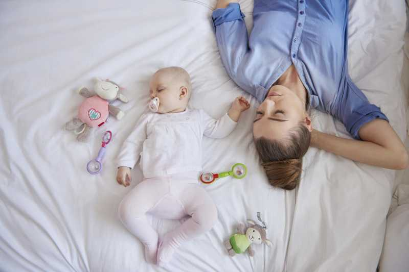 Lack Of Sleep Linked To Weight Gain For New Moms - Women Fitness