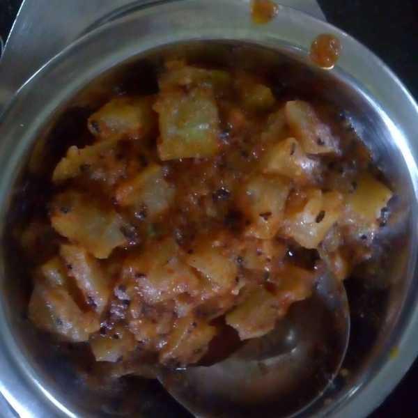 Lauki Ki Subji - Ridge Gourd Curry - Marathi