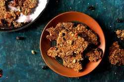 oats and seeds cracker | oats & seeds chikki - video recipe