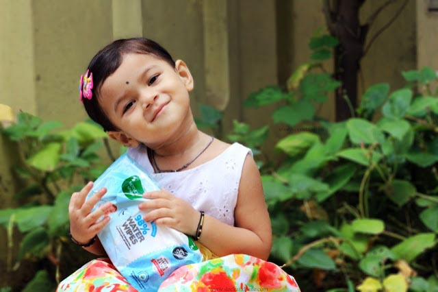 Review: Mother Sparsh Baby Water Wipes- As Good As Cotton And Water