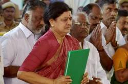 The Enthronement of Sasikala as CM Will Be a Huge Slap to Democracy in TN