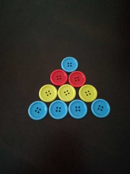 Toddler Activities: Colorful Buttons