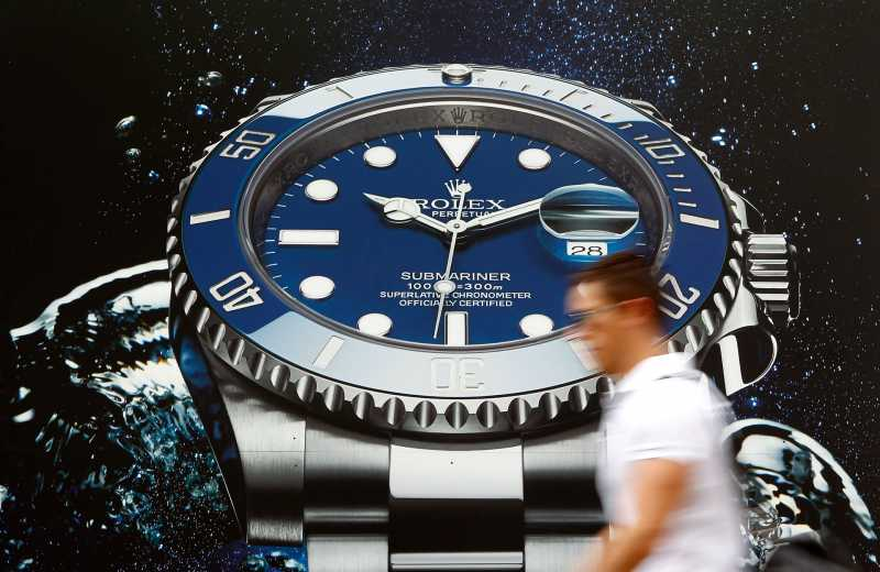 Top 5 Swiss Watch Brands - AtulHost