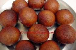 Unni Appam-Sweet rice dumplings