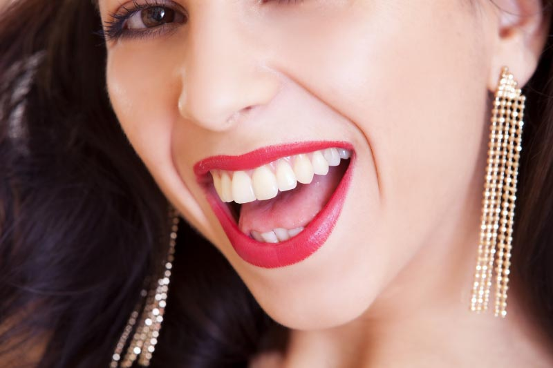 Worth A Million Buck Smile With These 8 Best Teeth Whitening Remedies