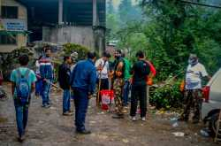 Yayawar goes cleaning Kasol - Day 2
