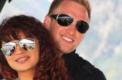 Aashka Goradia Reminisces The Day When She And Husband Brent Goble Sealed It With A Kiss