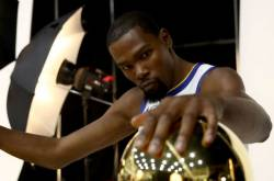 Durant In No Rush To Decide Warriors Future