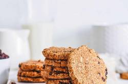 Healthy Oatmeal Raisin Cookies (Soft + Chewy!) - The Picky Eater