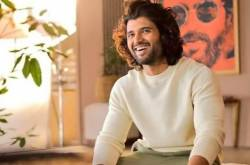 Vijay Deverakonda flaunts his million dollar smile in his latest PHOTO and we can't stop gushing over him