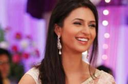WATCH: Divyanka Tripathi Turns Superhero On The Sets Of Yeh Hai Mohabbatein